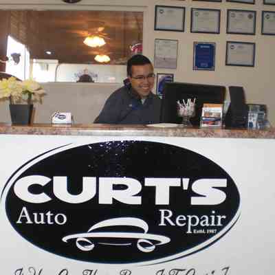 Curts Auto Repair Welcome Front Desk